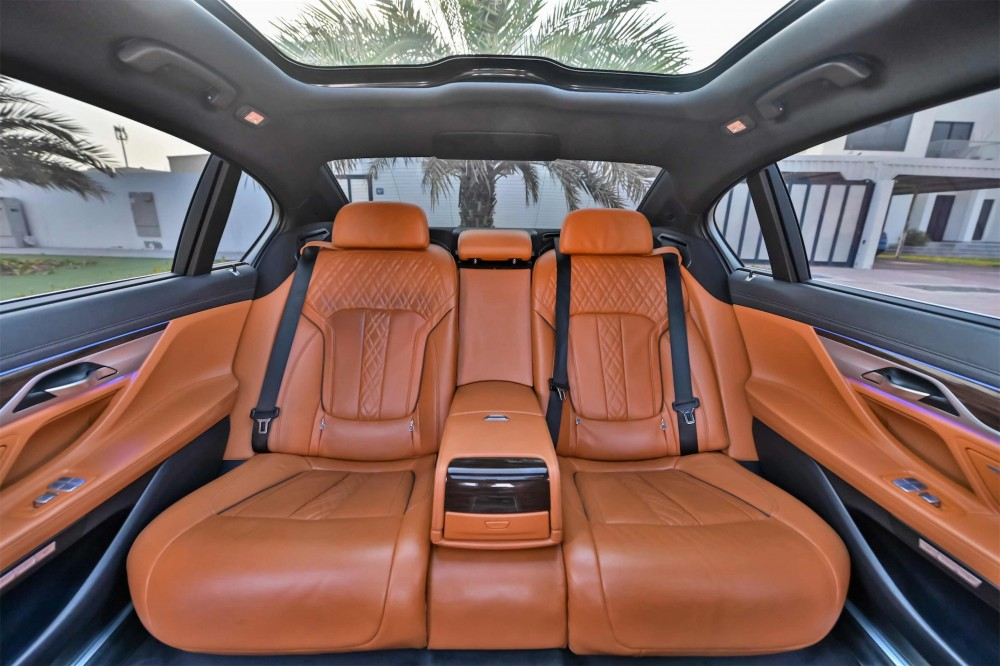 buy certified BMW 740i in Dubai
