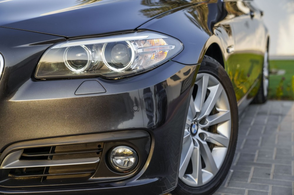buy pre-owned BMW 520i without downpayment