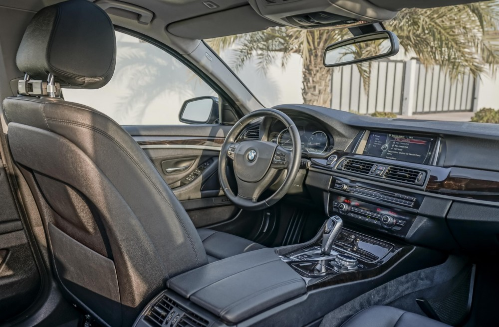 buy slightly used BMW 520i without downpayment