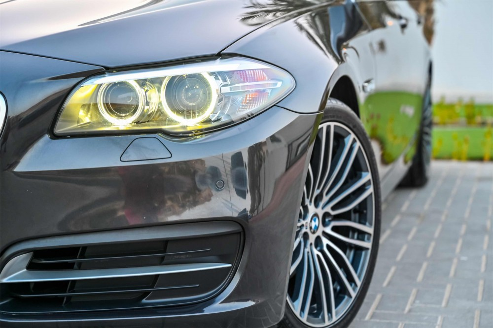 buy approved BMW 520i Luxury Line in Dubai