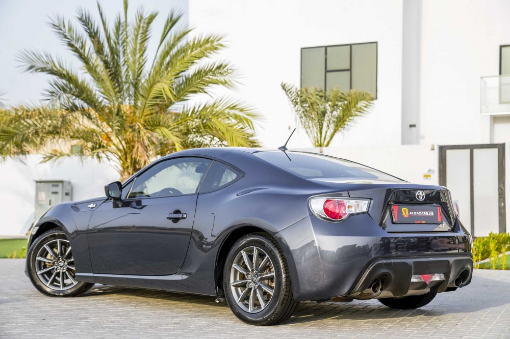 buy approved Toyota 86 GT in Dubai