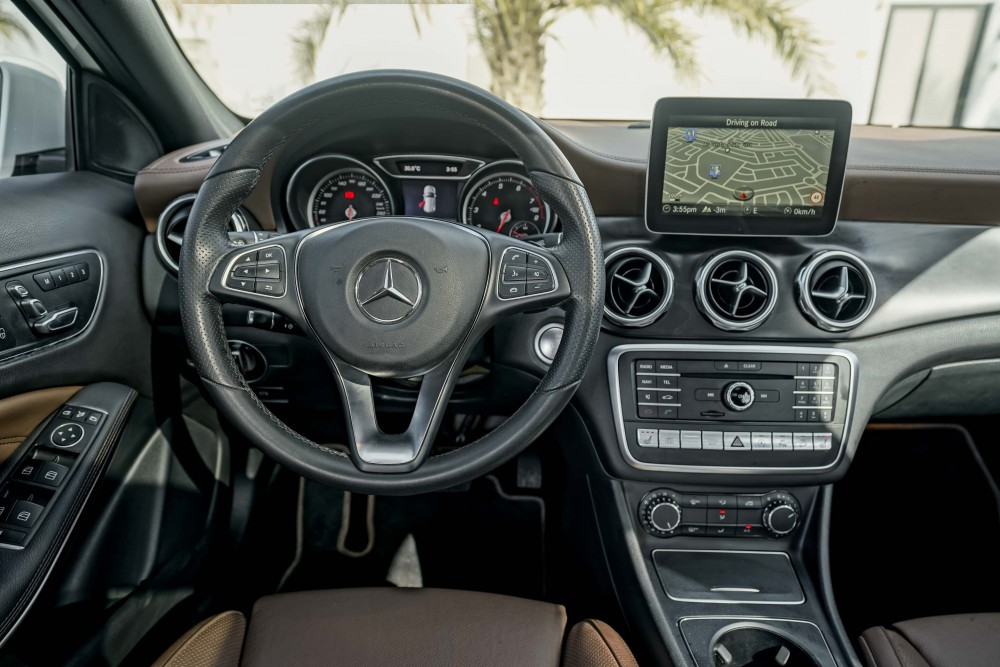 buy second hand Mercedes GLA 250 AMG with warranty