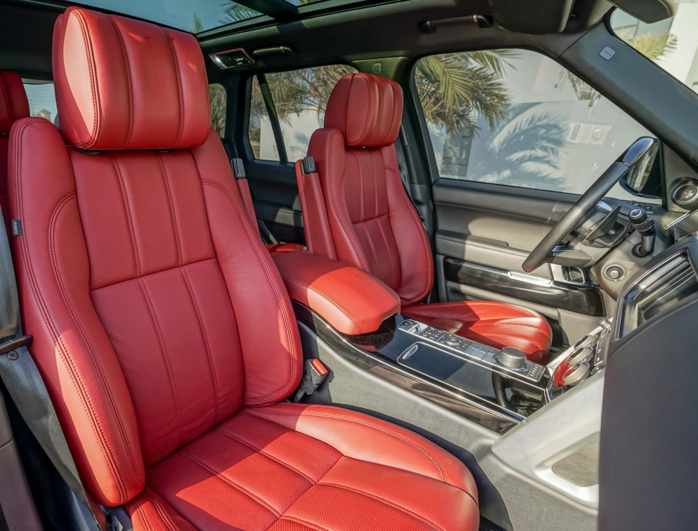 buy used Range Rover Vogue SE Supercharged 5.0L in UAE