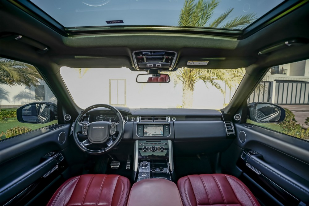 buy approved Range Rover Vogue SE Supercharged 5.0L in Dubai