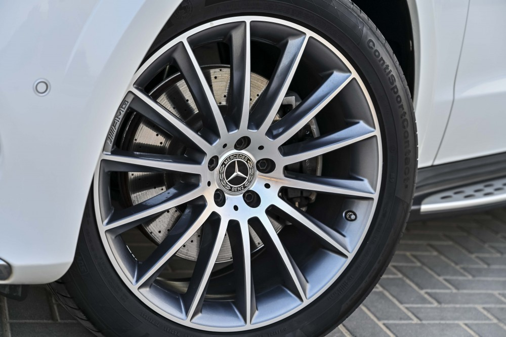 buy used Mercedes GLS500 AMG-Kit without downpayment