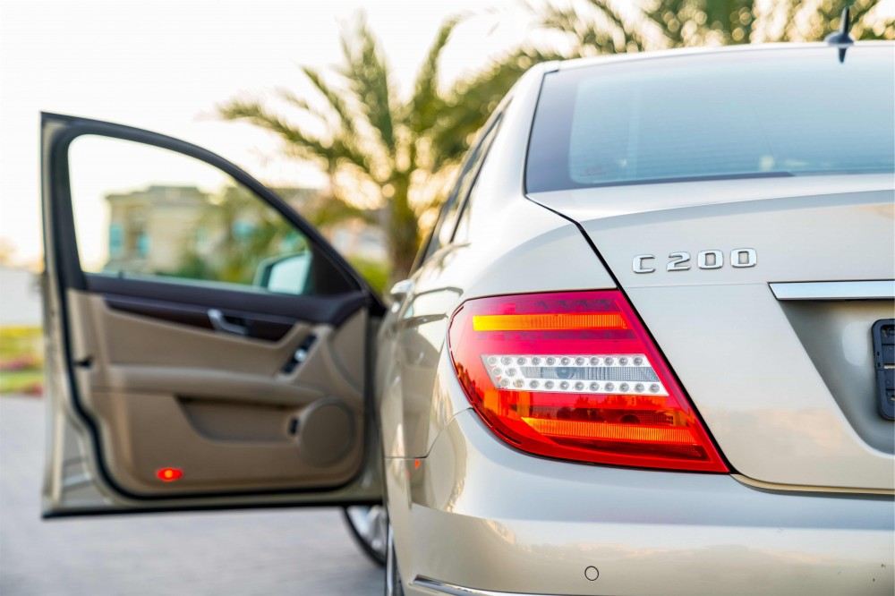 buy approved Mercedes C200 without downpayment