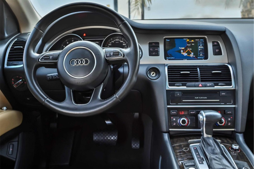 buy pre-owned Audi Q7 S-Line Super Charged with warranty