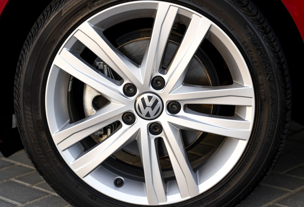 buy pre-owned Volkswagen Jetta in UAE