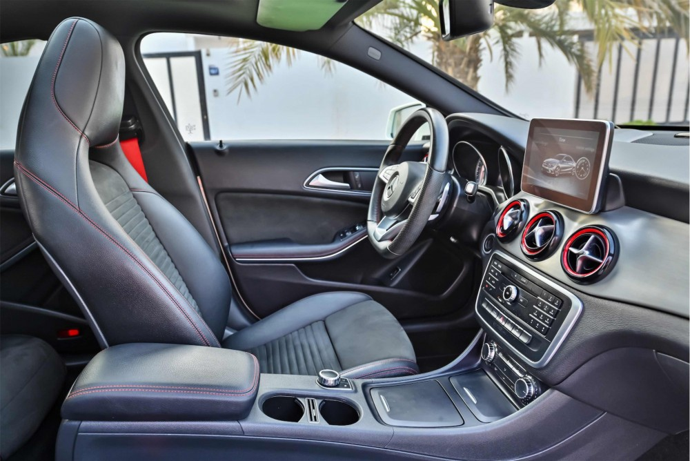 buy second hand Mercedes CLA250 in UAE