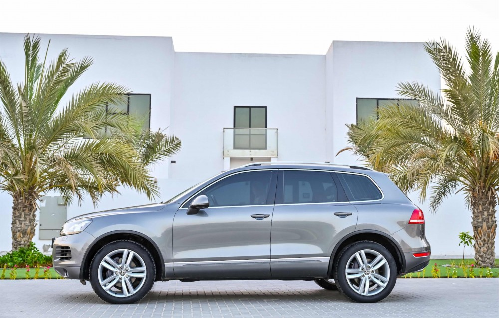 buy approved Volkswagen Touareg Sport with warranty