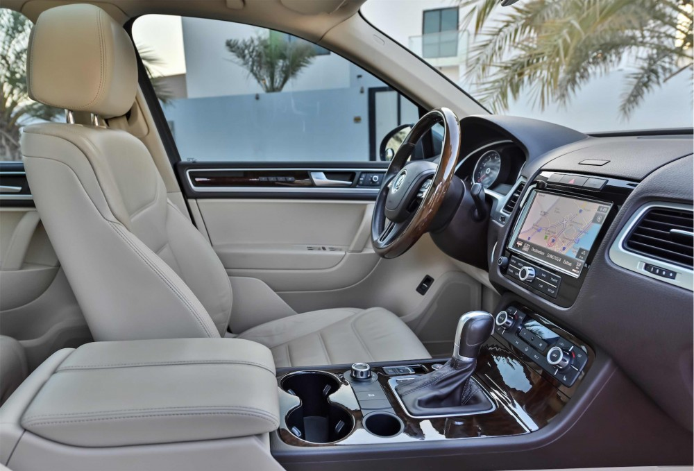 buy used Volkswagen Touareg Sport with warranty