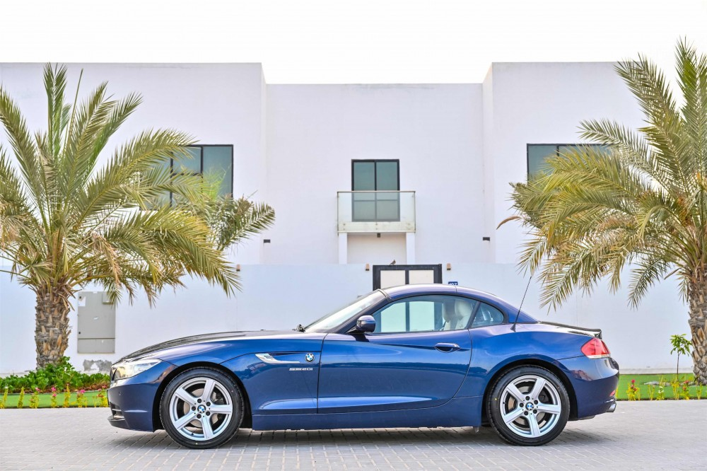 buy second hand BMW Z4 sDrive20i Convertible in UAE