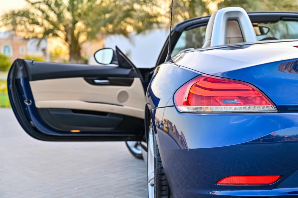 buy used BMW Z4 sDrive20i Convertible without downpayment