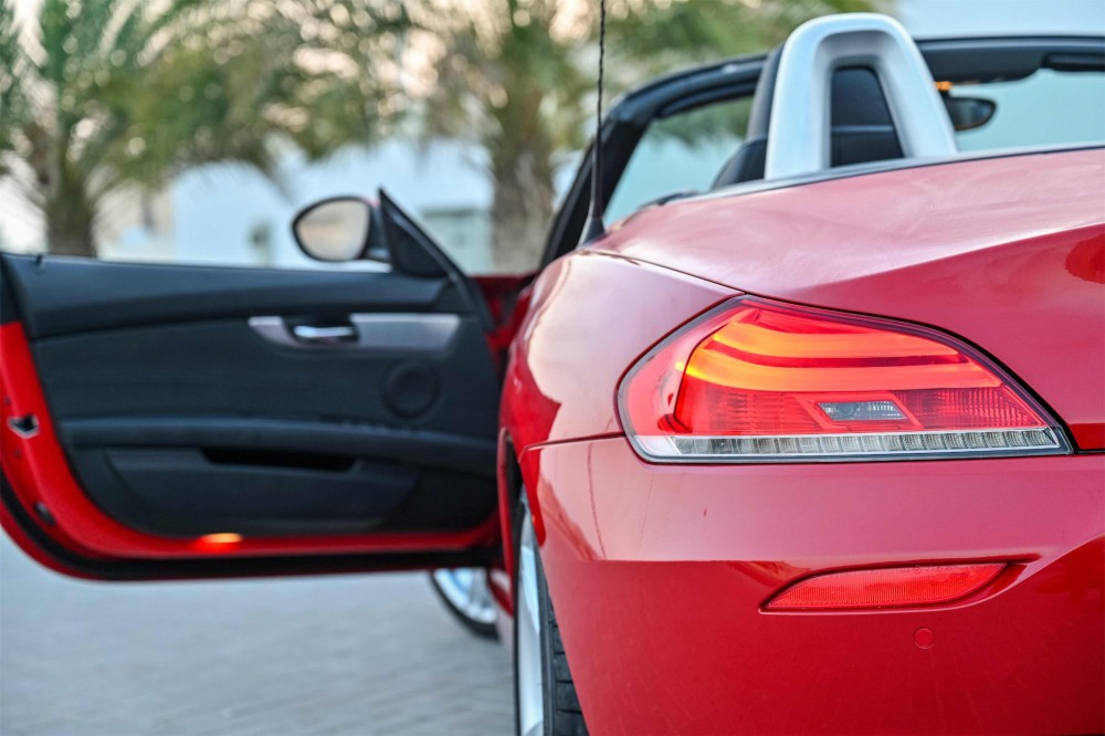 buy approved BMW Z4 sDrive20i Convertible with warranty