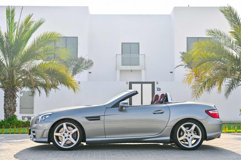 buy pre-owned Mercedes SLK200 without downpayment