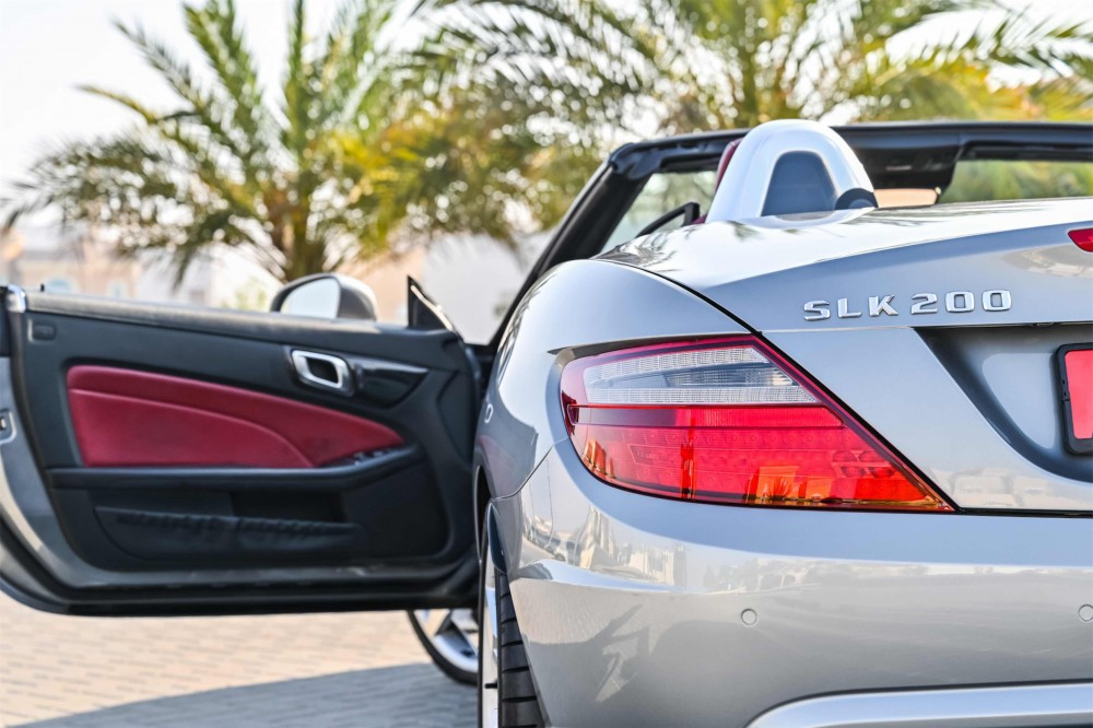 buy second hand Mercedes SLK200 with warranty
