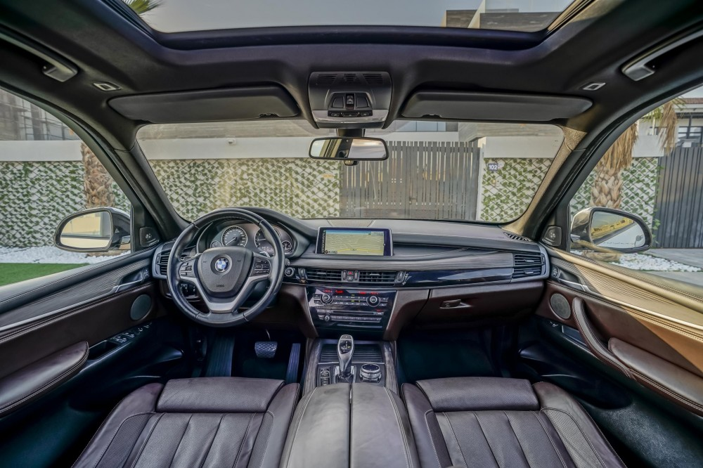 buy slightly used BMW X5 50i V8 M-Kit 7 Seats without downpayment