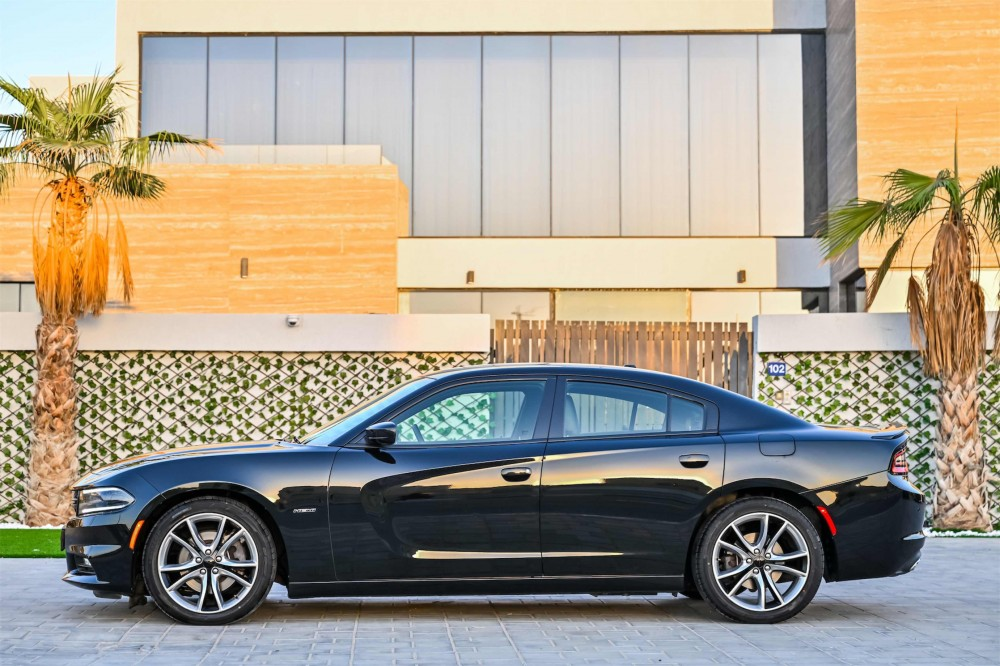 buy approved Dodge Charger RT V8 in Dubai