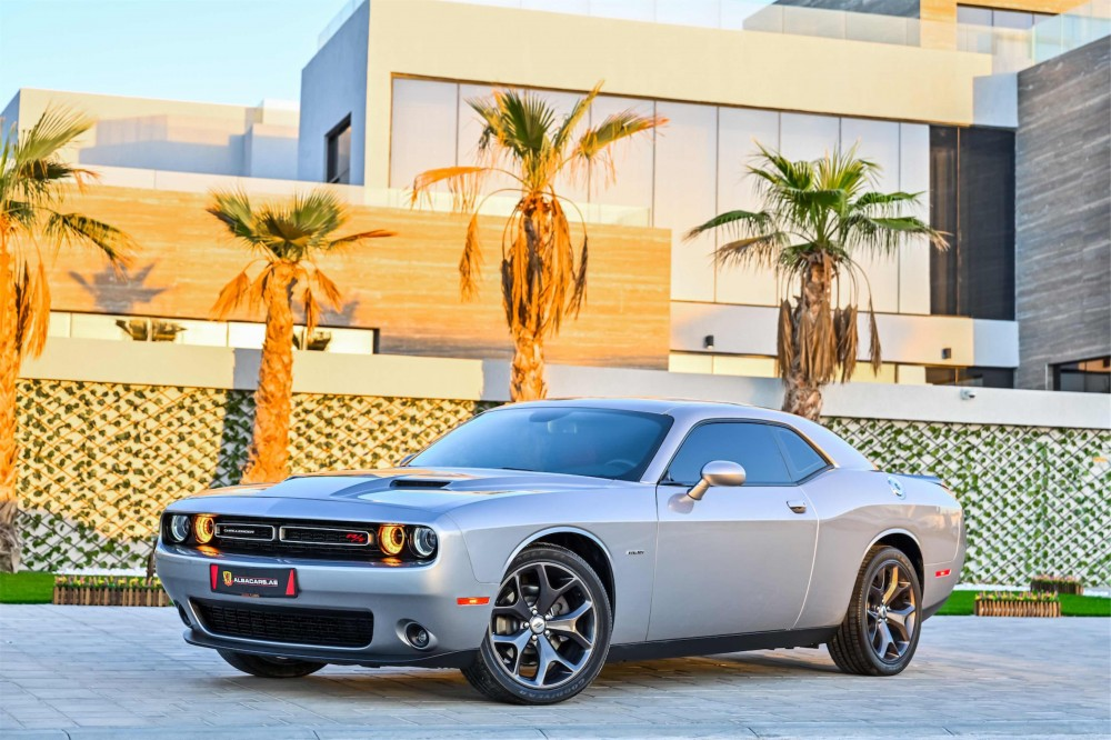 buy slightly used Dodge Challenger R/T 5.7L V8 without downpayment