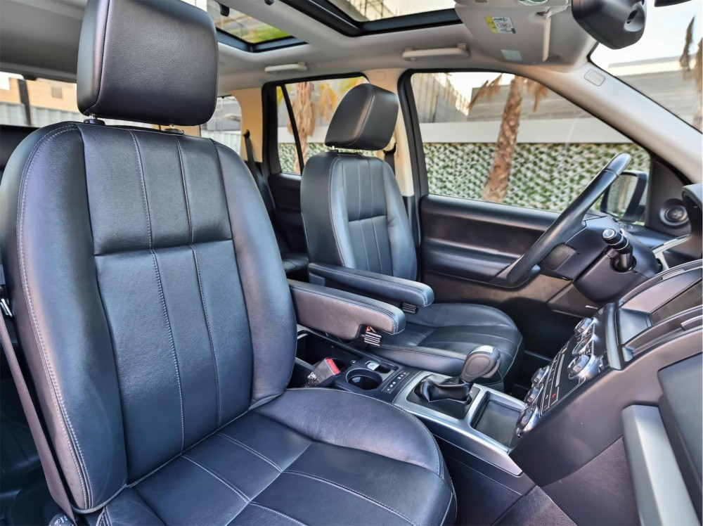 buy second hand Land Rover LR2 HSE in Dubai