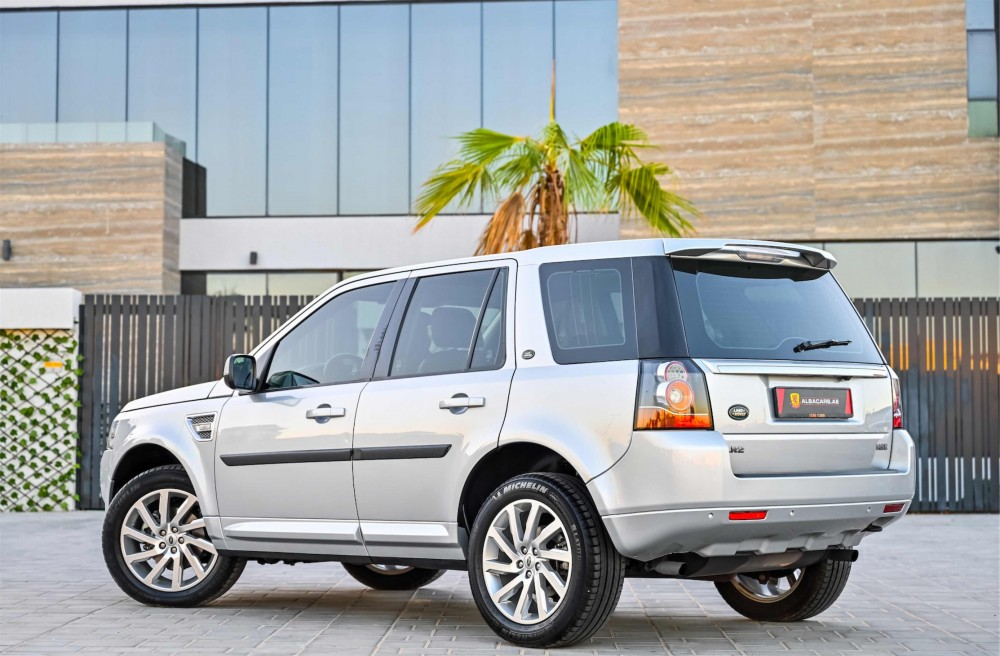 buy second hand Land Rover LR2 HSE with warranty