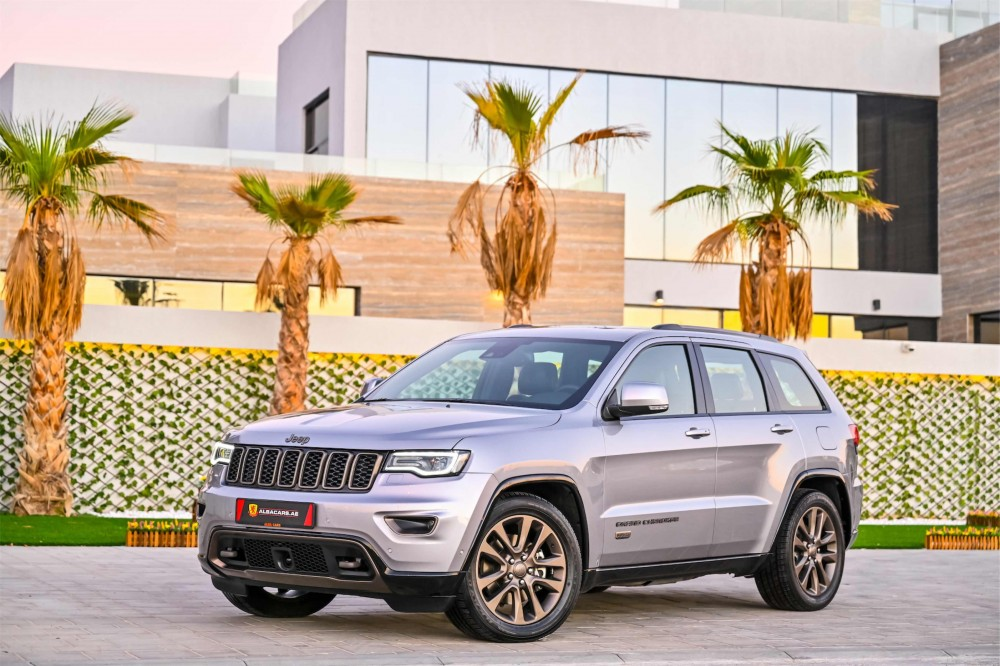 buy second hand Jeep Grand Cherokee 75th Anniversary Edition 5.7L V8 in UAE