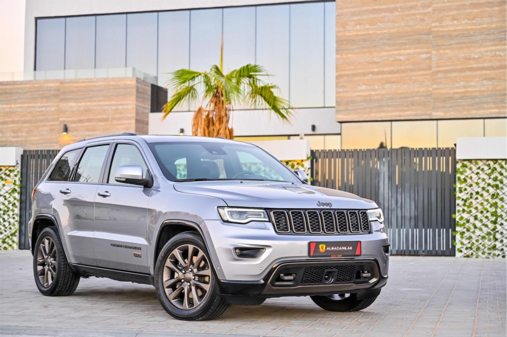 buy second hand Jeep Grand Cherokee 75th Anniversary Edition 5.7L V8 without downpayment