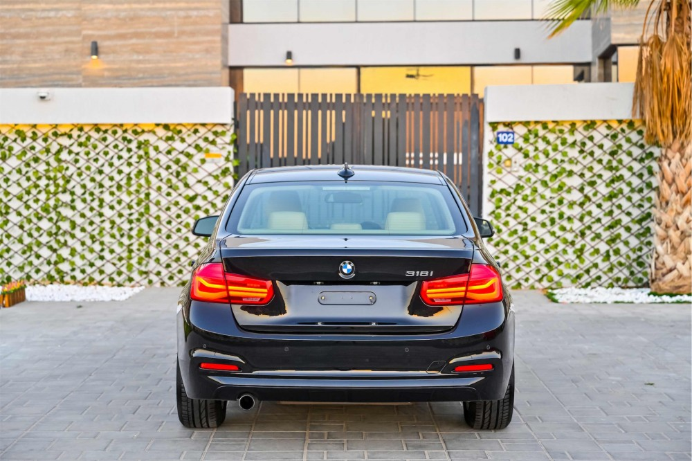 buy used BMW 318i Luxury Line without downpayment