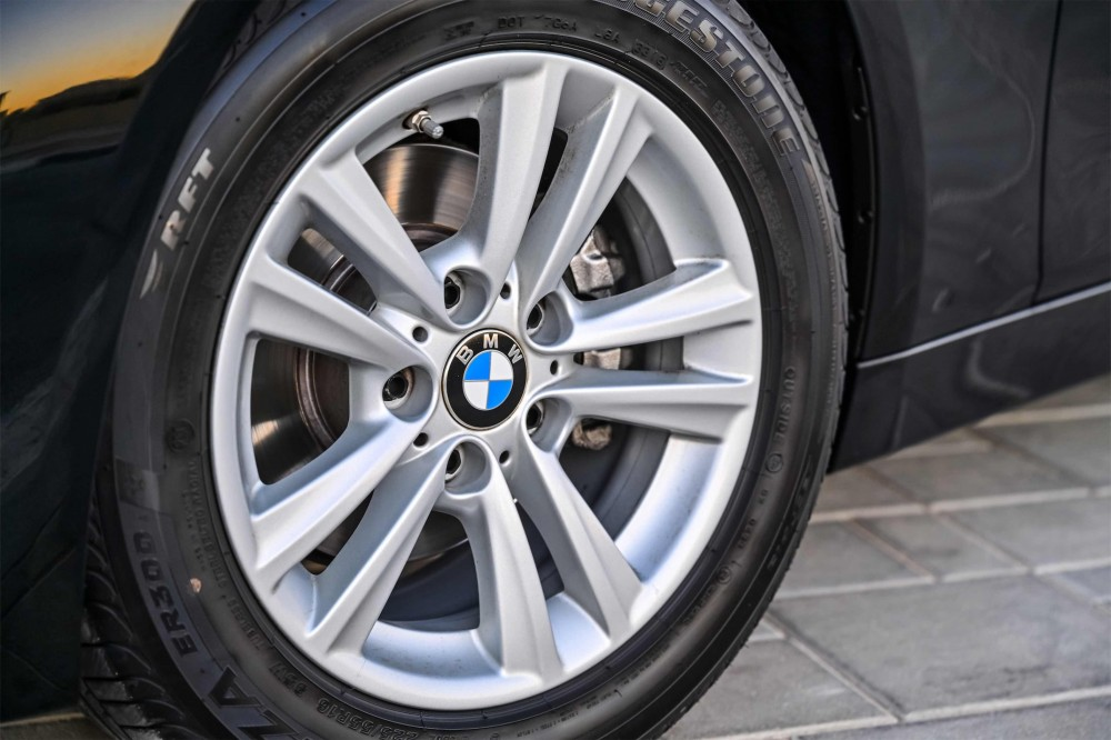 buy approved BMW 318i Luxury Line without downpayment