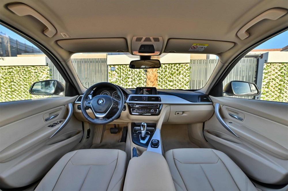 buy approved BMW 318i Luxury Line in Dubai