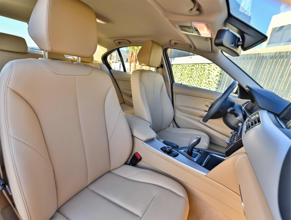 buy second hand BMW 318i Luxury Line without downpayment