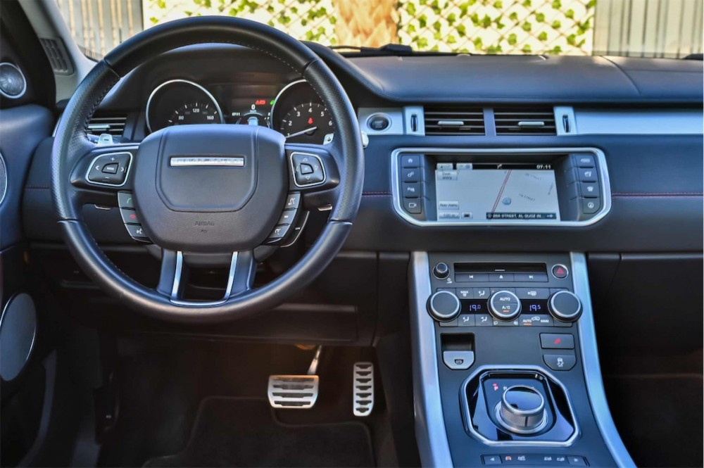 buy approved Range Rover Evoque HSE Dynamic Plus in UAE