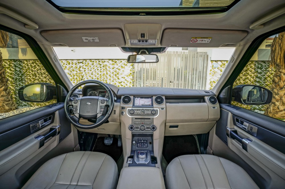 buy used Land Rover LR4 V6 Supercharged in Dubai