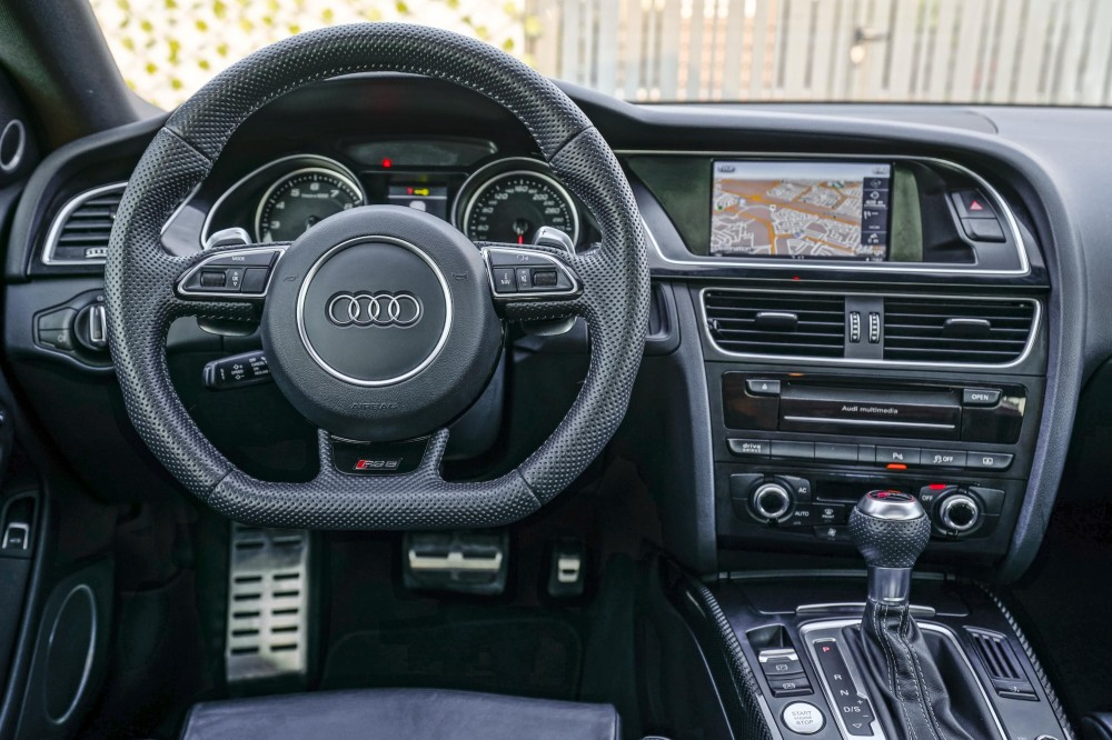 buy second hand Audi RS5 V8 without downpayment