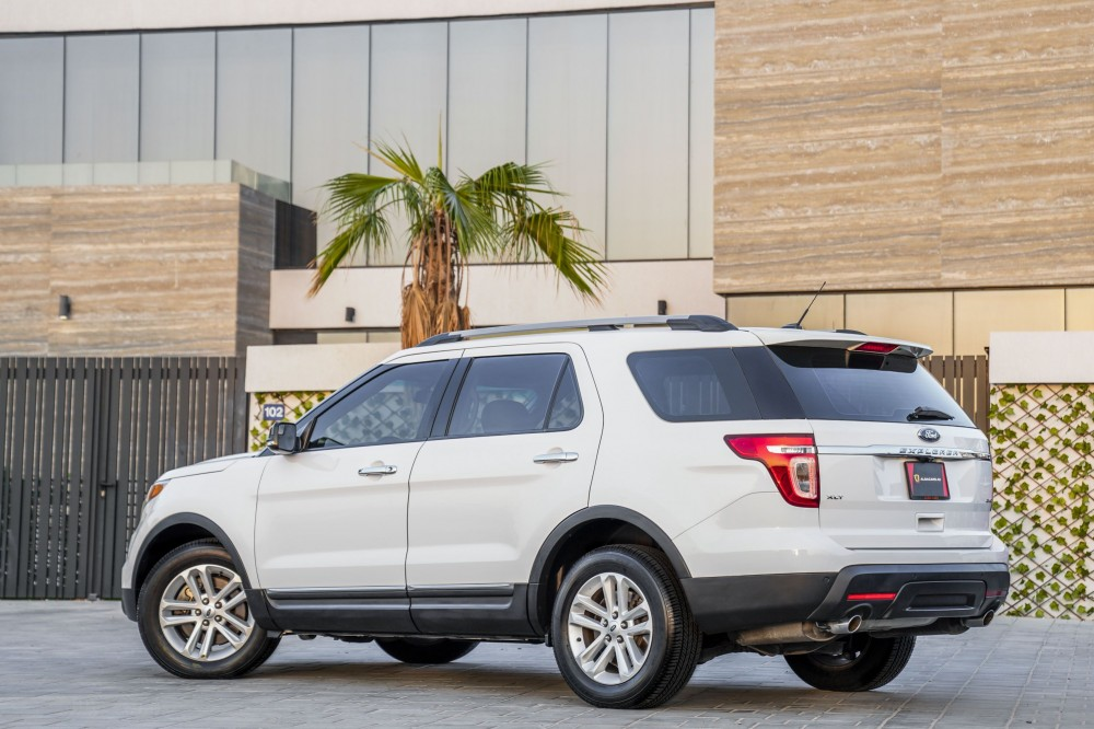 buy slightly used Ford Explorer XLT V6 without downpayment