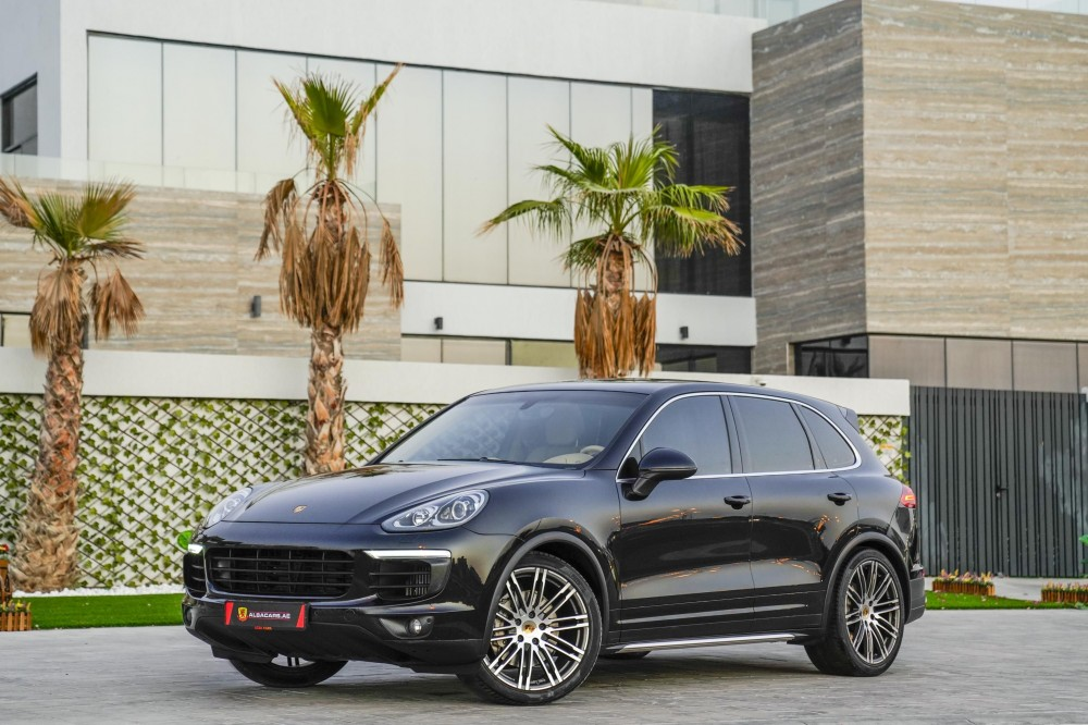 buy slightly used Porsche Cayenne S in Dubai