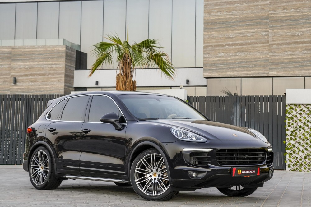 buy second hand Porsche Cayenne S in Dubai
