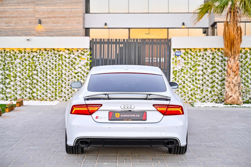 buy second hand Audi RS7 4.0L V8 in UAE