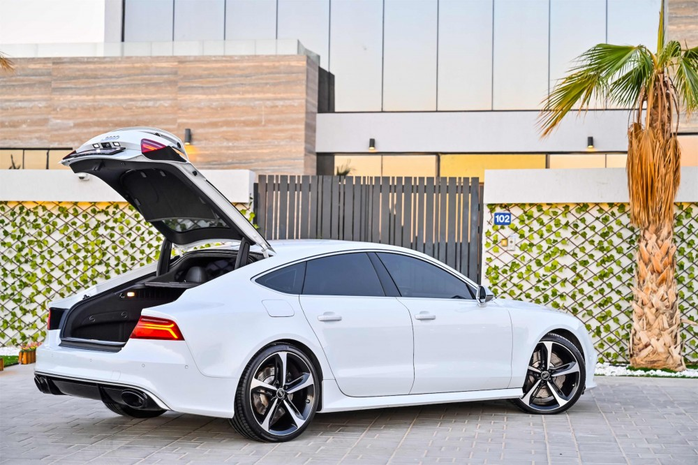 buy used Audi RS7 4.0L V8 without downpayment