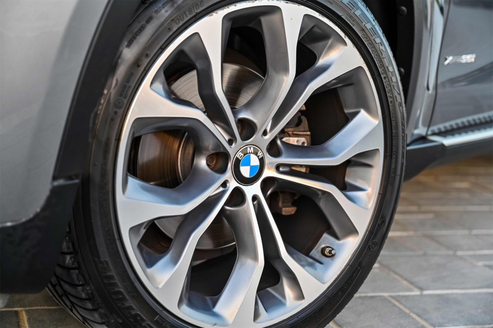 buy second hand BMW X6 in UAE