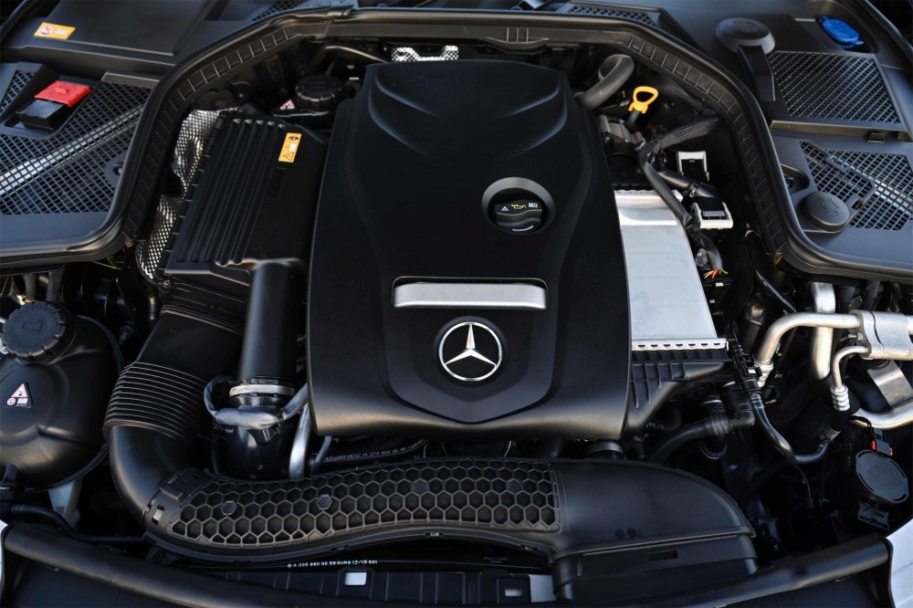 buy used Mercedes C200 in Dubai
