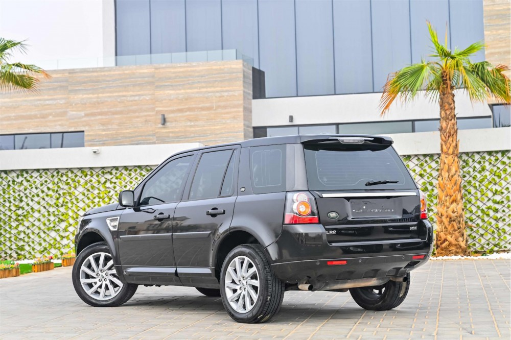 buy used Land Rover LR2 in Dubai