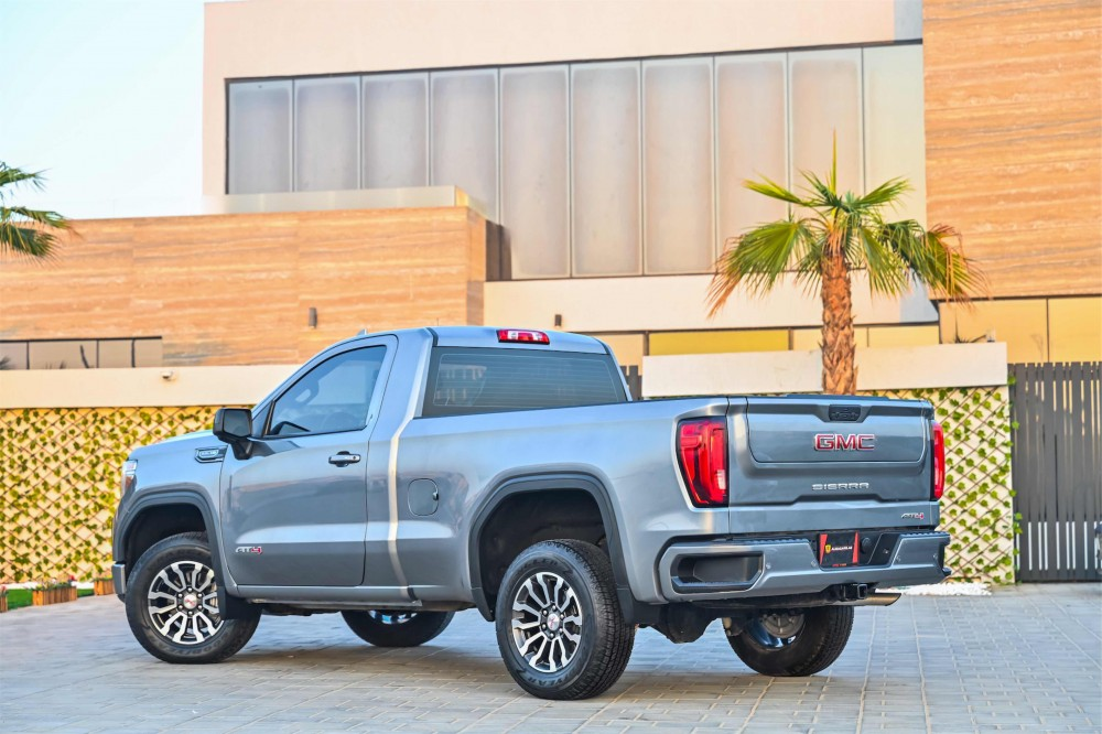 buy used GMC Sierra V8 AT4 in Dubai