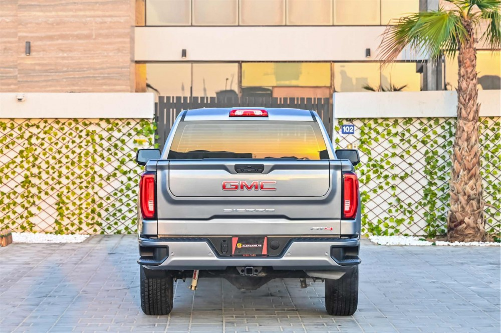buy certified GMC Sierra V8 AT4 in UAE