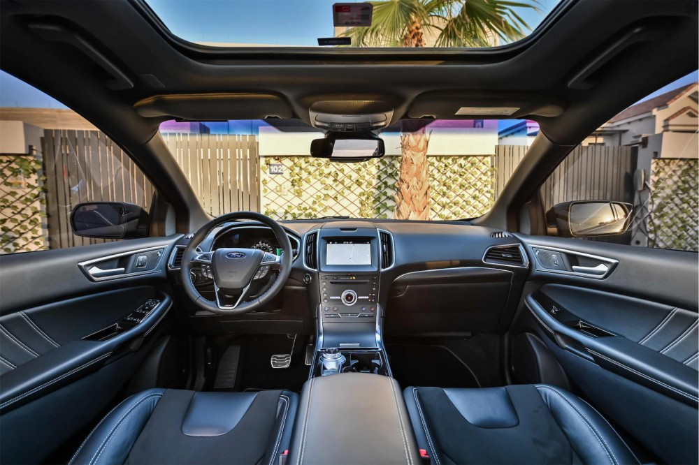 buy pre-owned Ford Edge ST Performance in Dubai