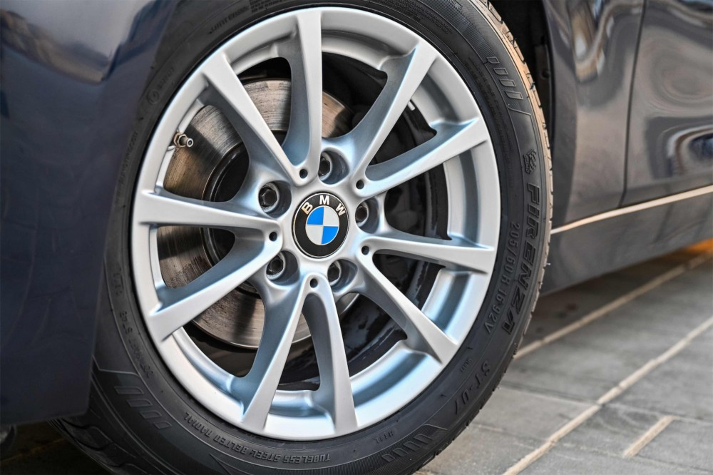 buy second hand BMW 316i in UAE