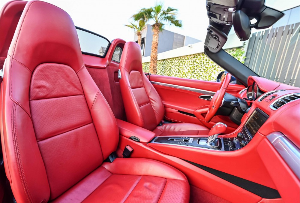 buy second hand Porsche Boxster S Convertible in UAE