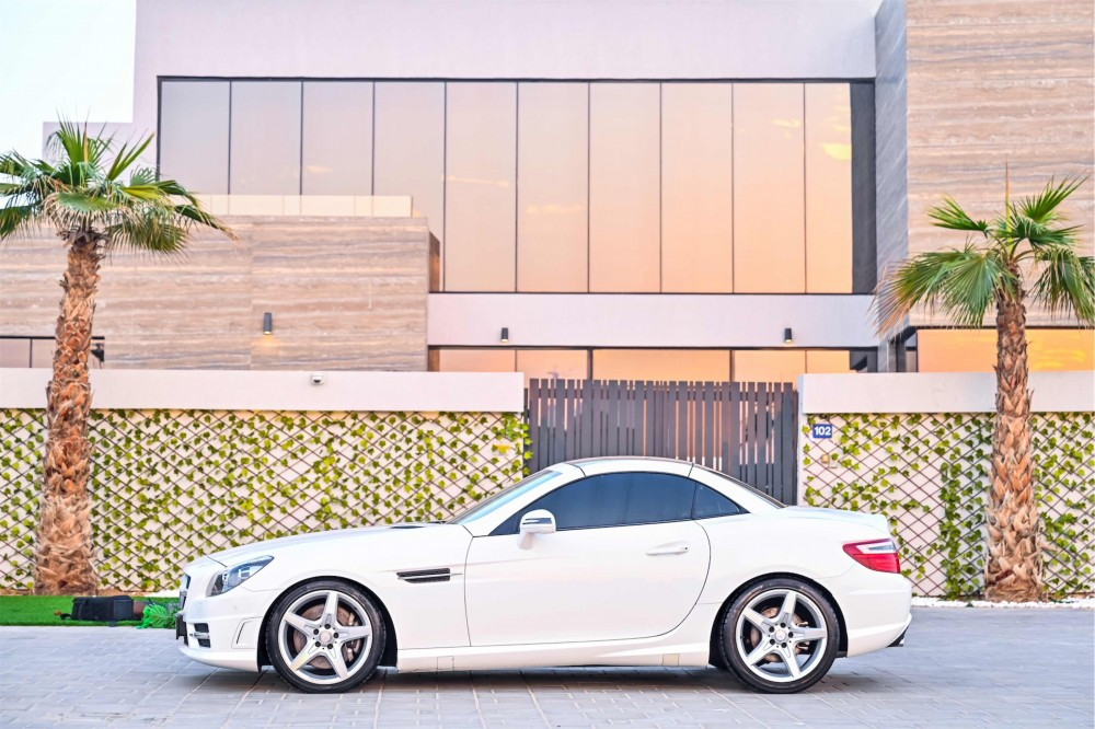 buy second hand Mercedes SLK200 AMG Convertible without downpayment