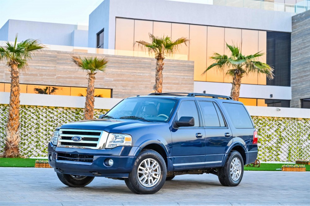 buy second hand Ford Expedition XLT with warranty