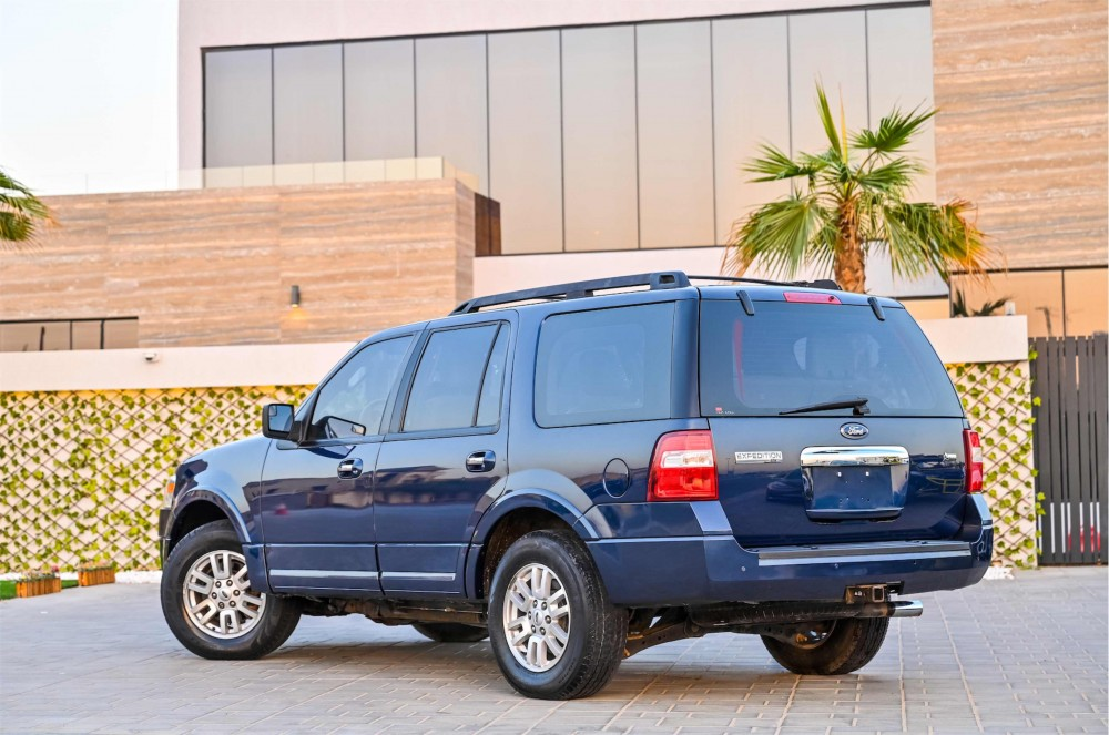 buy pre-owned Ford Expedition XLT without downpayment